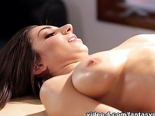 Adriana Sephora, большие сиськи, куннилингус, экзотическое, пальцем, лесбийское, массаж, натуральные сиськи, порнозвезда,