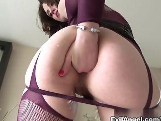 анальный секс, малышка, большая задница, минет, фаллоимитатор, Kinky, порнозвезда, от первого лица, Rocco Siffredi, Sarah Shevon,