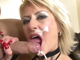 Analsex, Blond, Blowjob, Cumshot, Deepthroating, Doppelfick, Maulfick, Facial, Fishnets, Gangbang,