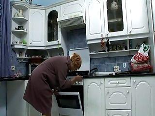 Anziano, In Cucina, Masturbazione, Figa,