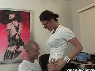 отличное, без груди, окончание внутрь, мамочка, порнозвезда, рыжие, Victoria Love,